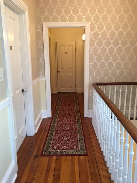 The second floor hallway - Waypoint House B+B