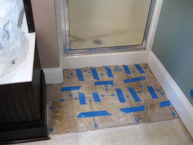 Tile step out, Traveler's Retreat bathroom
